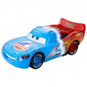 Masinuta Disney Cars 2 - Transforming Lightning McQueen
