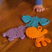 Jucarie Senzoriala Fat Brain Toys - Animal Crackers